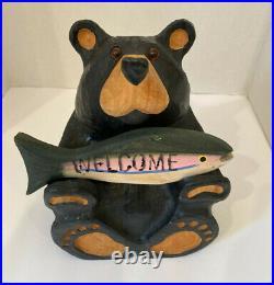 BEARFOOTS Jeff Fleming Big Sky Carvers Solid Wood Welcome Bear withFish CHUM Rare