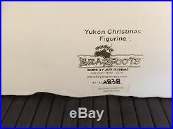 Bearfoots Yukon Christmas Figurine Jeff Fleming Big Sky Carvers #B5070004