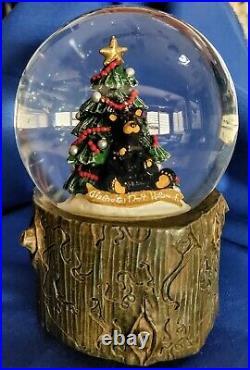 Big Sky Carvers CHRISTMAS BEARS! MUSICAL SNOW GLOBE Celebrate Don't Hibernate