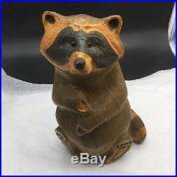 Big Sky Carvers Sitting Raccoon Carving Sculpture Figurine Jeff Fleming Statue