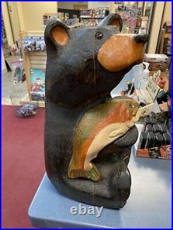 Jacksonbig Sky Bears Jeff Fleming Bear With Fish Carving Carvers Montana