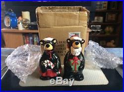 NEW Big Sky Carvers Ma and Pa Bears Christmas Salt & Pepper Shakers in Box 50022